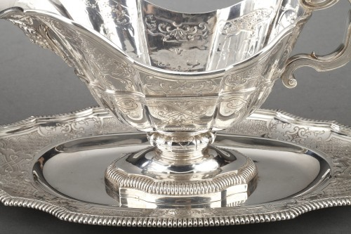 Goldsmith CARDEILHAC - Sauce boat on its solid silver tray 19th century  - Napoléon III