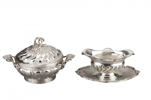 Goldsmith MERITE - Vegetable dish and gravy boat in solid silver 19th cent