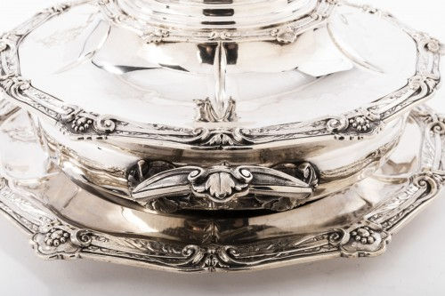 Goldsmith ODIOT - Vegetable dish on its platter in solid silver XIXth - Napoléon III