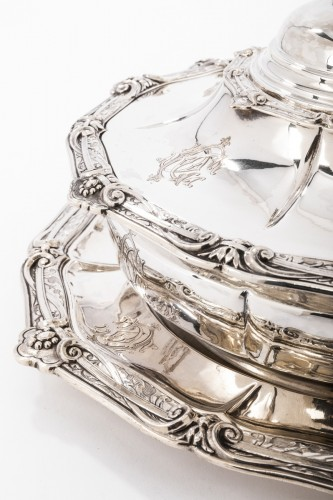Napoléon III - Goldsmith ODIOT - Vegetable dish on its platter in solid silver XIXth
