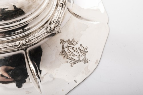 Antiquités - Goldsmith ODIOT - Vegetable dish on its platter in solid silver XIXth