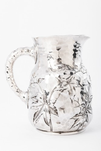20th century - Goldsmith J.E. CALDWELL - Hammered solid silver pitcher 20th century