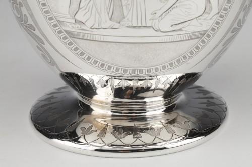 19th century - EDOUARD & JOHN BARNARD - Ewer in solid silver XIXth London