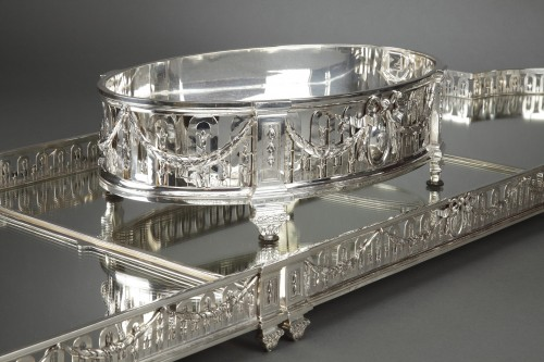 Napoléon III - Goldsmith QUEILLE - Surtout of table and its planter in solid silver XIXth
