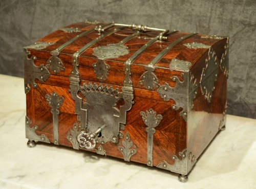 A Fine Steel Mounted Kingwood Box signed Pérille à Moulins - Curiosities Style Louis XV