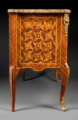 Furniture  - Fine Transition ormolu mounted tulipwood and marquetry Commode