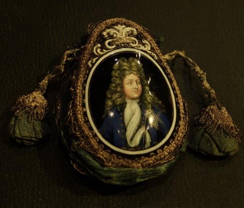 A Louis XIV enamel Purse by Laudin - Curiosities Style Louis XIV