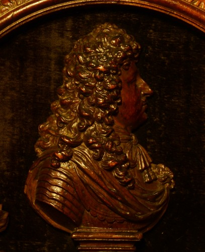 A fine wood relief portrait of Louis XIV - Sculpture Style Louis XIV