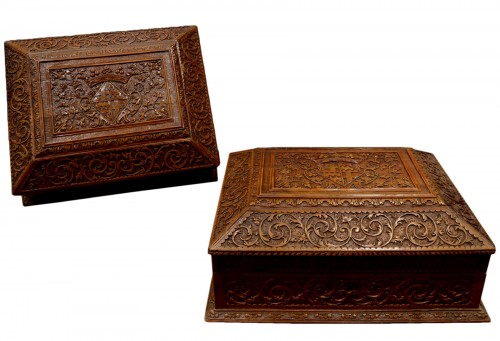 A pair of Sainte Lucie wood toilet caskets