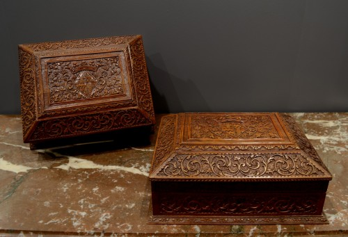 A pair of Sainte Lucie wood toilet caskets  - Objects of Vertu Style Louis XIV