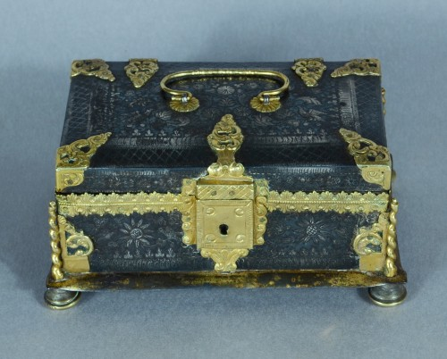 A fine and rare etched steel and gilded metal casket - Objects of Vertu Style