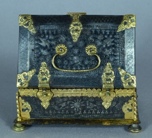 Objects of Vertu  - A fine and rare etched steel and gilded metal casket