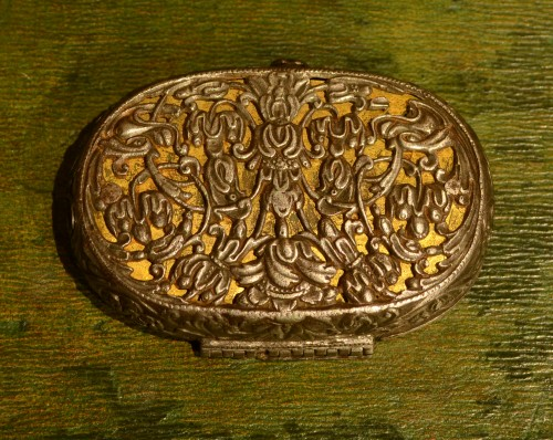 A 17th century snuffbox - Objects of Vertu Style