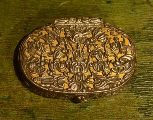 A 17th century snuffbox -