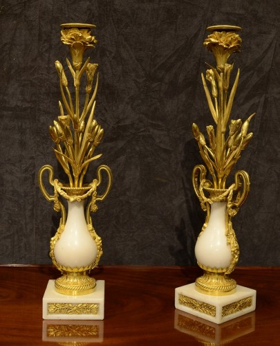 Pair of Louis XVI ormolu mounted marble candlesticks - Lighting Style Louis XVI