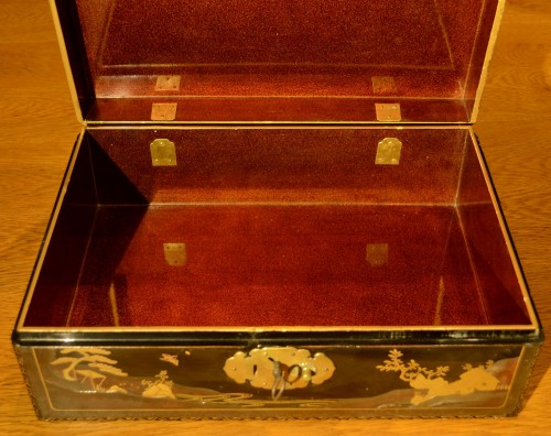 Asian Works of Art  - A  Japanese lacquer box