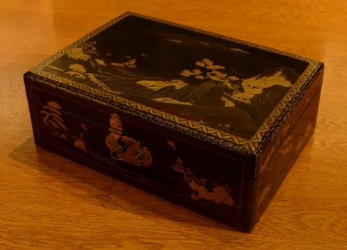 19th century - A  Japanese lacquer box