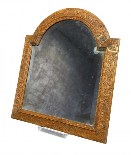 A dressing table mirror