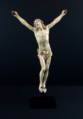 "Christ ""vivo"" carved ivory, France 17th century - Louis XIV"