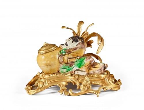 Chinese enameled porcelain inkwell