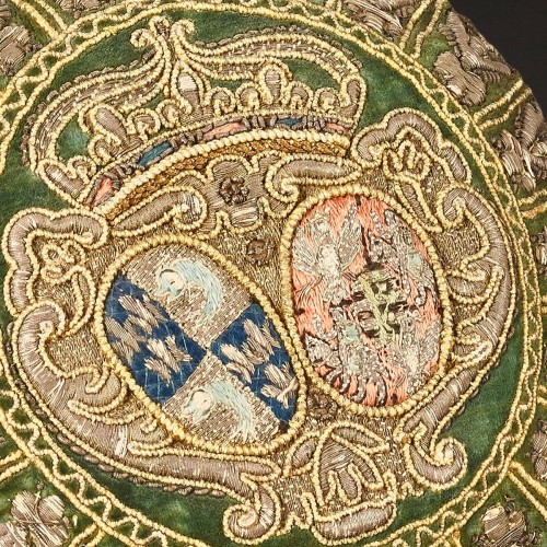 Coin purse with the arms of Marie-Josèphe de Saxe, Dauphine of France - Objects of Vertu Style Transition