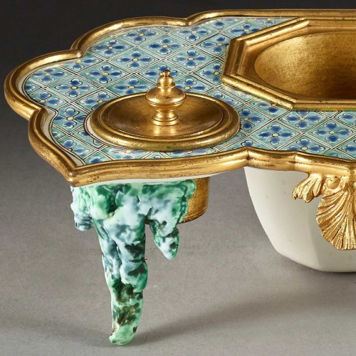 Decorative Objects  - Polychrome porcelain inkwell from the Chantilly factory