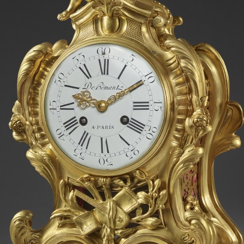 Horology  - Mantel clock to the Allegory of the Music