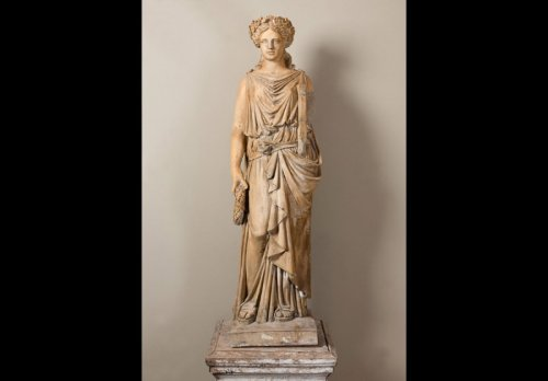 19th century - Terracotta statue of a draped woman signed  BRAULT