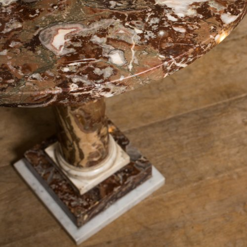 A late 18th century Red and white veined marble gueridon table - Furniture Style Directoire