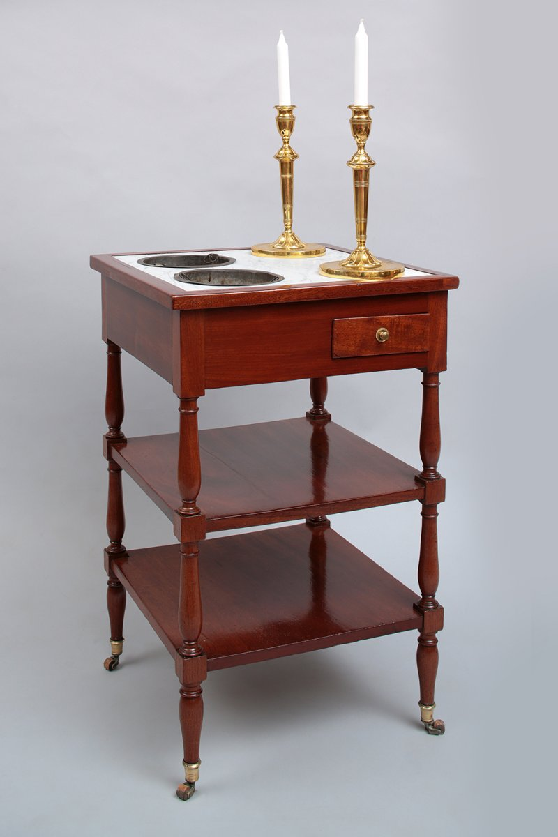 Table rafraichissoir en acajou fin xviiie si cle for K meuble table