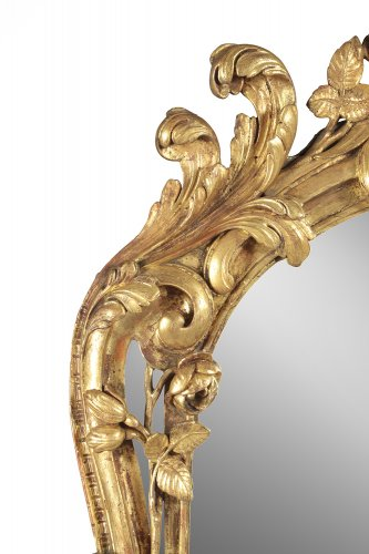 Louis XV - French Louis XV giltwood mirror