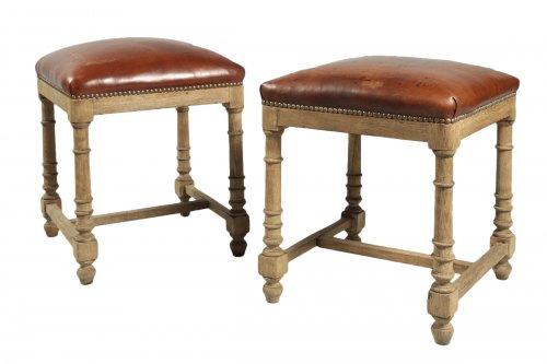 Paire of Oakwood stools, mid 19th century