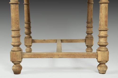 Paire of Oakwood stools, mid 19th century -