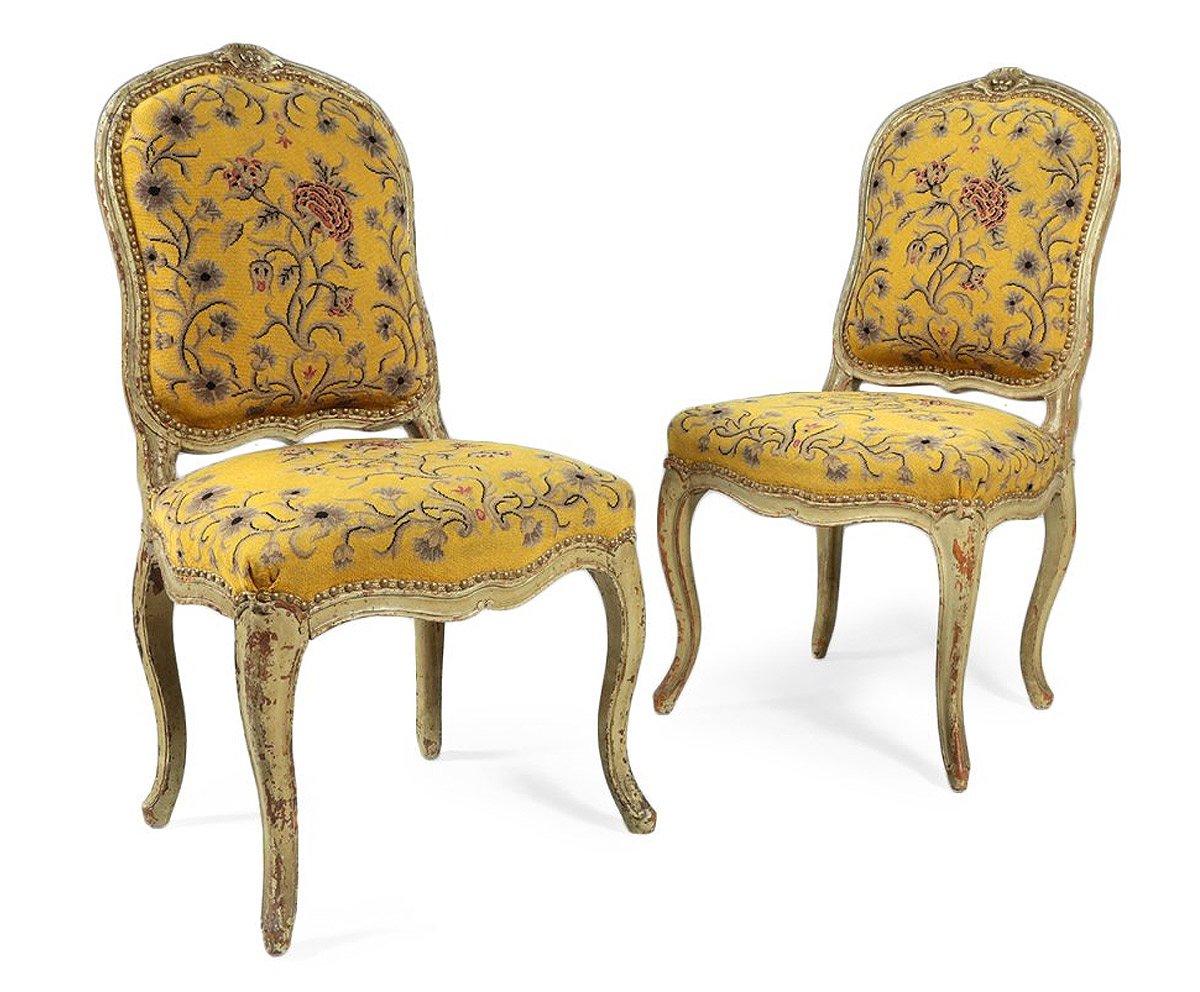 Paire de chaises en h tre laqu xviiie si cle for Chaise 98 edouard francois
