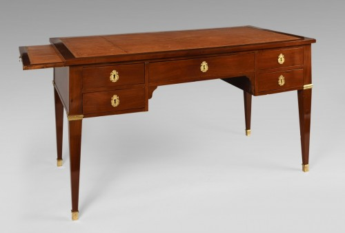19th century - French Bureau plat in Mahogany, Mid 19th century