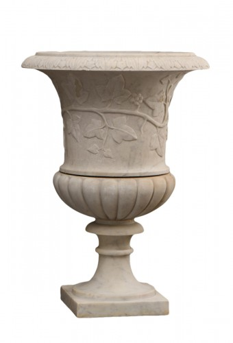 Early 19th century Medici marble vase