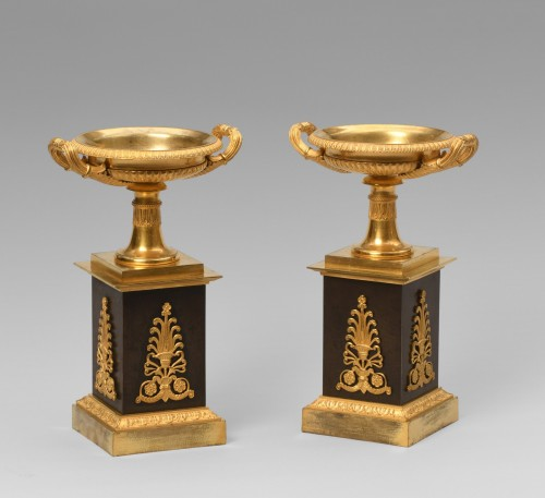 Pair of bronze coupes -