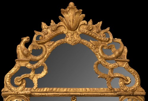 Mirrors, Trumeau  - Early 18th century giltwood mirror