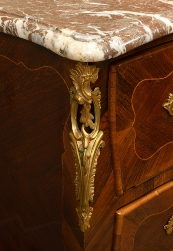 Louis XV chest of drawers in rosewood with boxwood nets - Furniture Style Louis XV