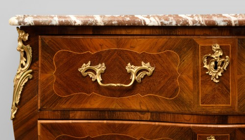 Louis XV chest of drawers in rosewood with boxwood nets -
