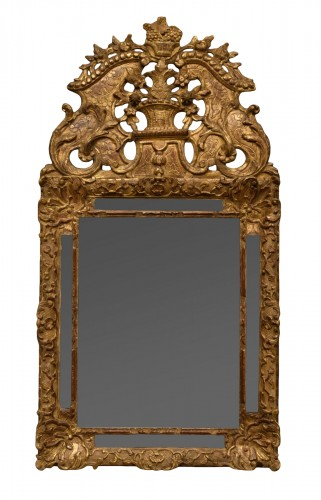 French Régence giltwood mirror