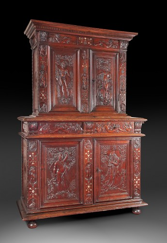 Rare Renaissance cabinet richly carved - Furniture Style Renaissance