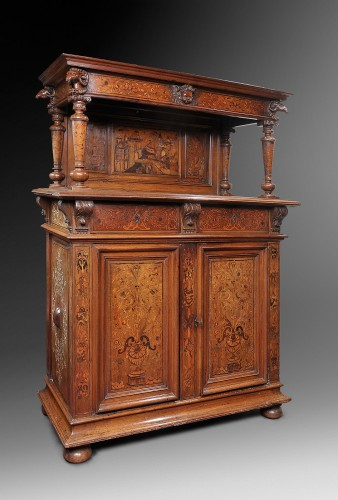 Rare Renaissance dressor decorated with marquetry and pastiglia - Furniture Style Renaissance