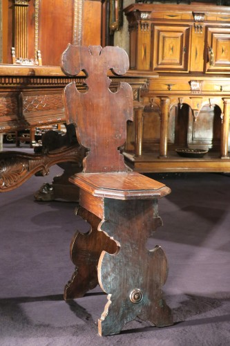 "Fine italian carved walnut ""Sgabelli"" - Seating Style Renaissance"