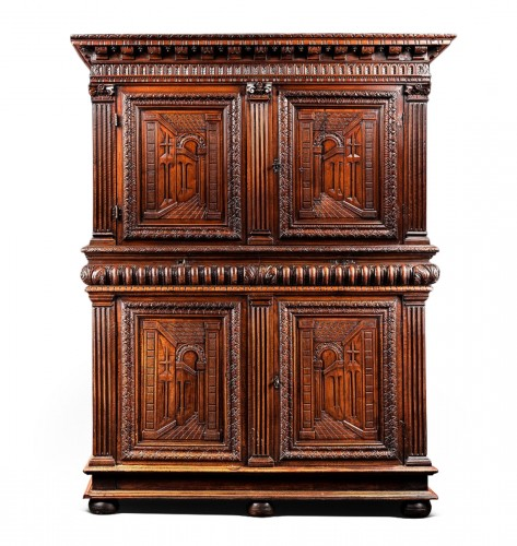 Exceptional French Renaissance cabinet with perspective carving
