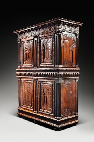 Furniture  - Exceptional French Renaissance cabinet with perspective carving