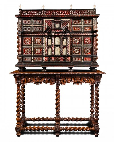 Exceptional red tortoiseshell cabinet with a mother-of-pearl decor