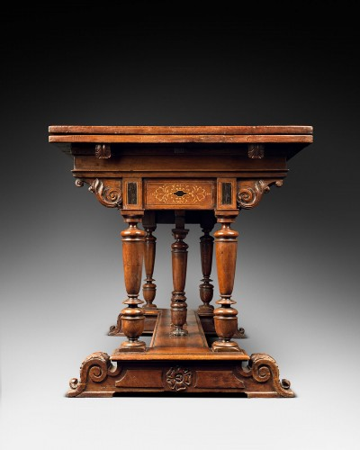 "French Renaissance formal table said ""à l'italienne"" -"