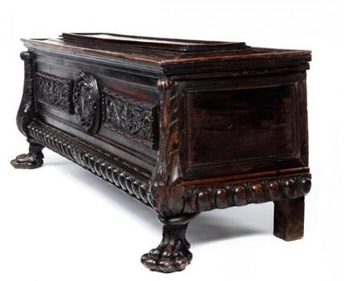 Furniture  - A tuscan Renaissance carved dark walnut cassone