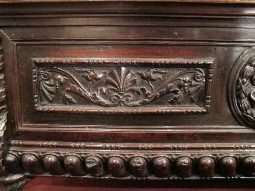 A tuscan Renaissance carved dark walnut cassone - Renaissance